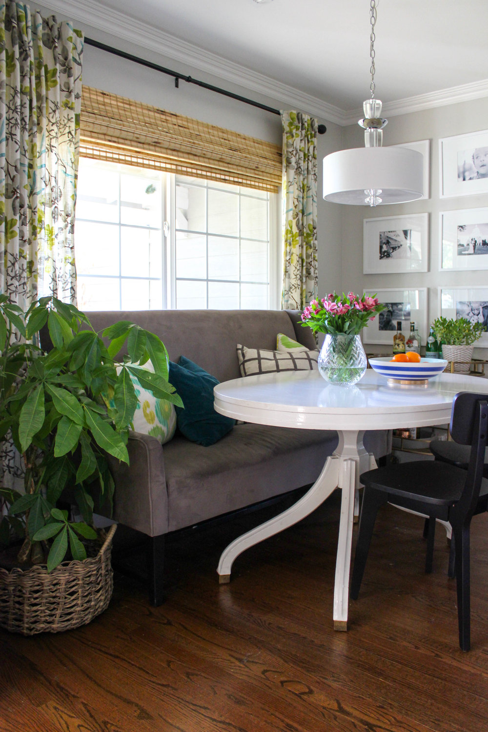 Small Home Style: Three Design Ideas for Modern Banquette Dining ...