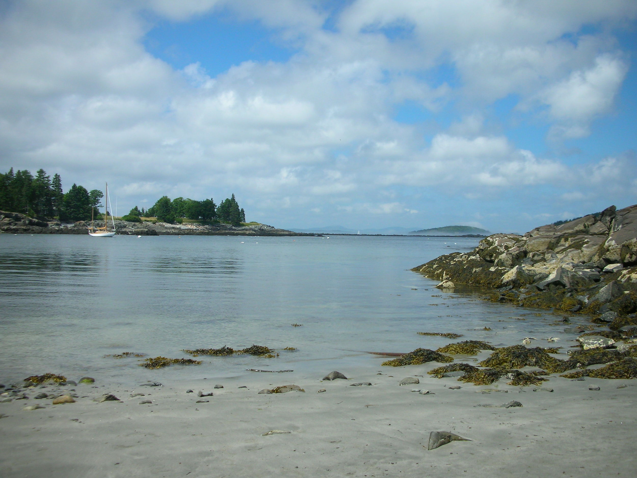 Compass Cove sand beach and calm waters are just a 5 minute walk from the house.