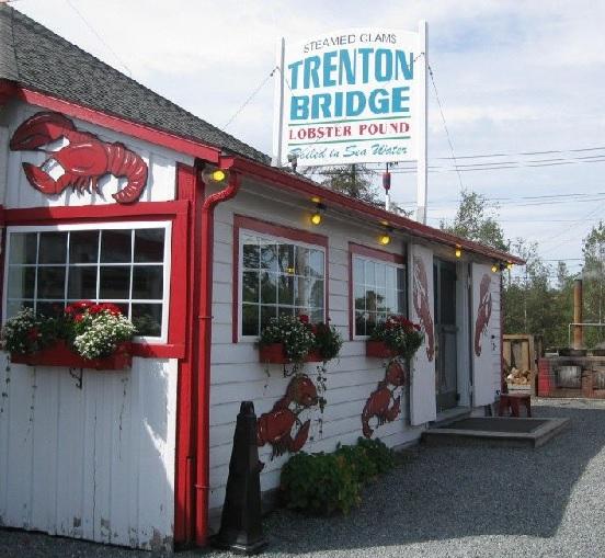 Trenton Bridge Lobster Pound in Maine