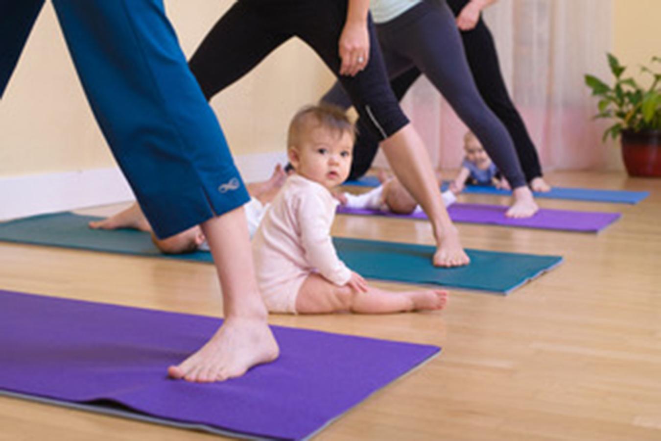 baby w:moms in wide legs.jpeg