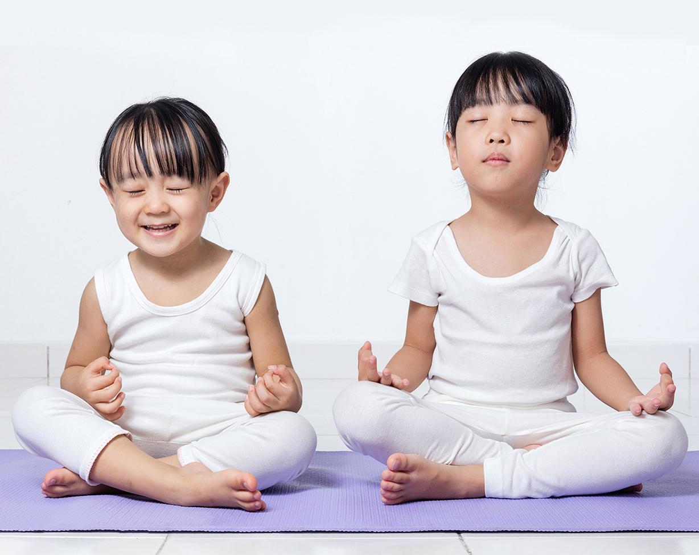 Kids-Meditation_165132698.jpg