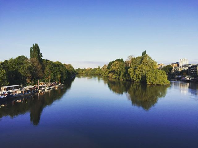 (River)Bank Holiday. Snapped on cycle to work... 🧐 #riverthames