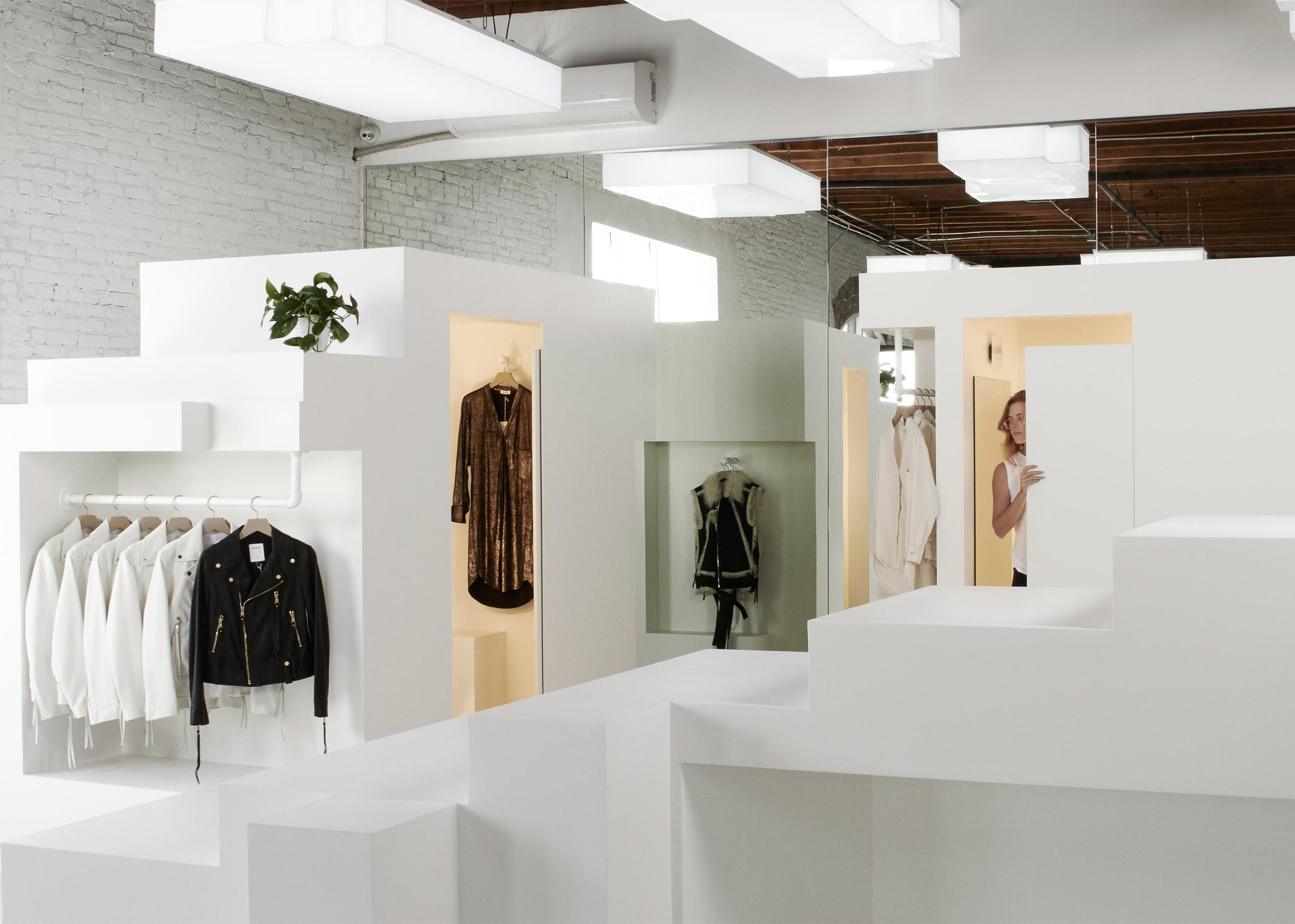 frankie-store-retail-shop-interior-fashion-bureau-spectacular-usa_dezeen_2364_ss_5.jpg