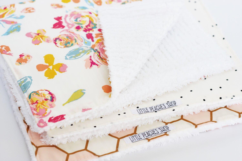 Handmade Painted Daisy Cotton Chenille Baby Burp Cloth Set
