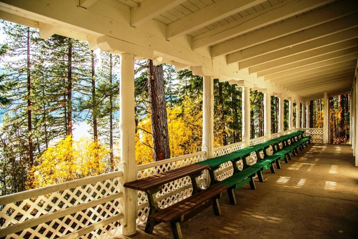 lodge+outdoor+deck.jpg