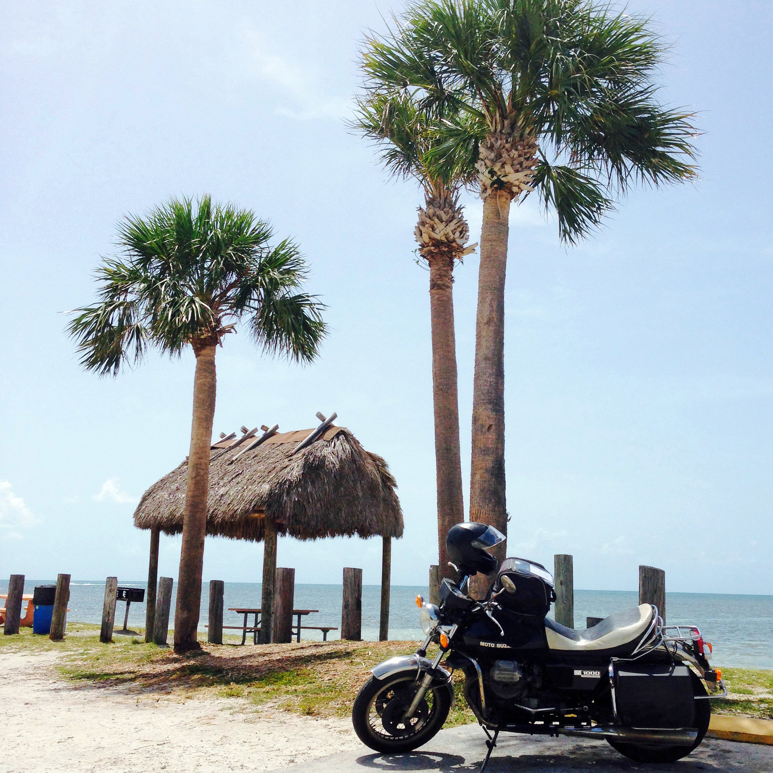 Moto Guzzi op Highway 1, richting Key West