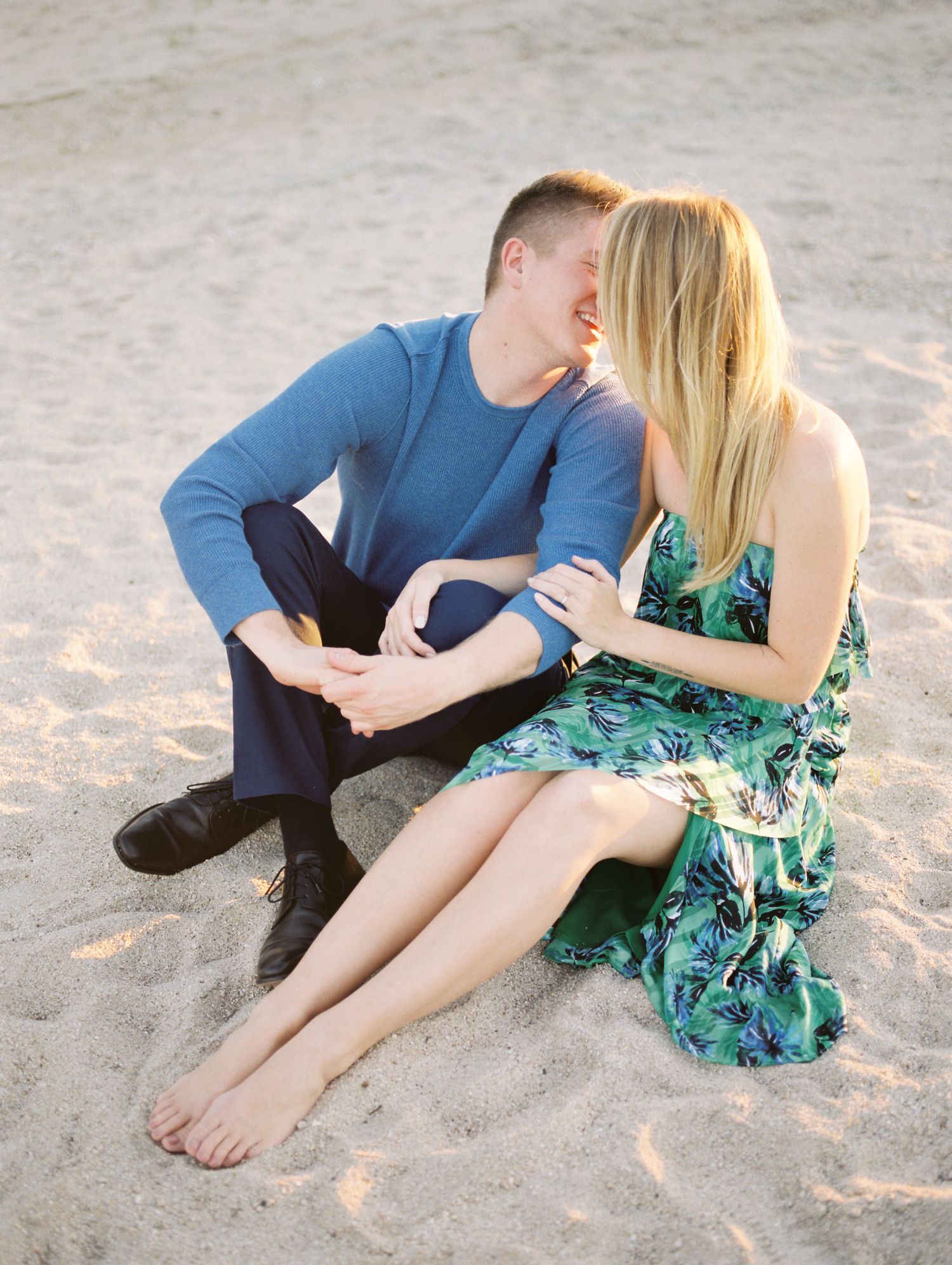 couple-kissing.jpg