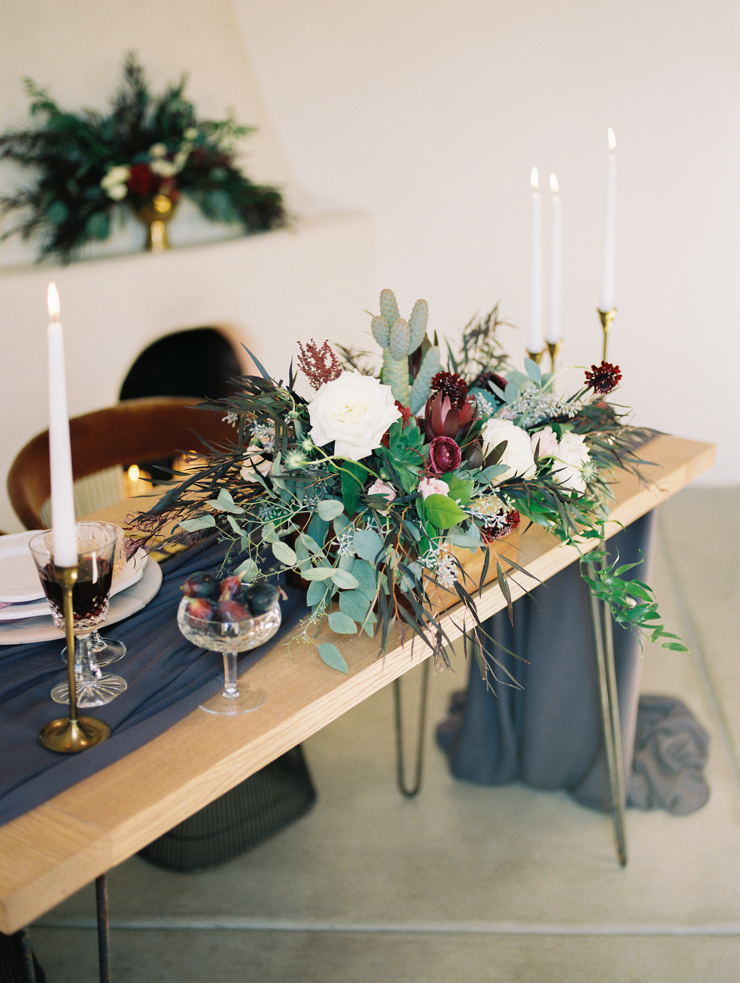 Stunning tablescape captured by Tucson film wedding photographers Betsy & John on Portra 800