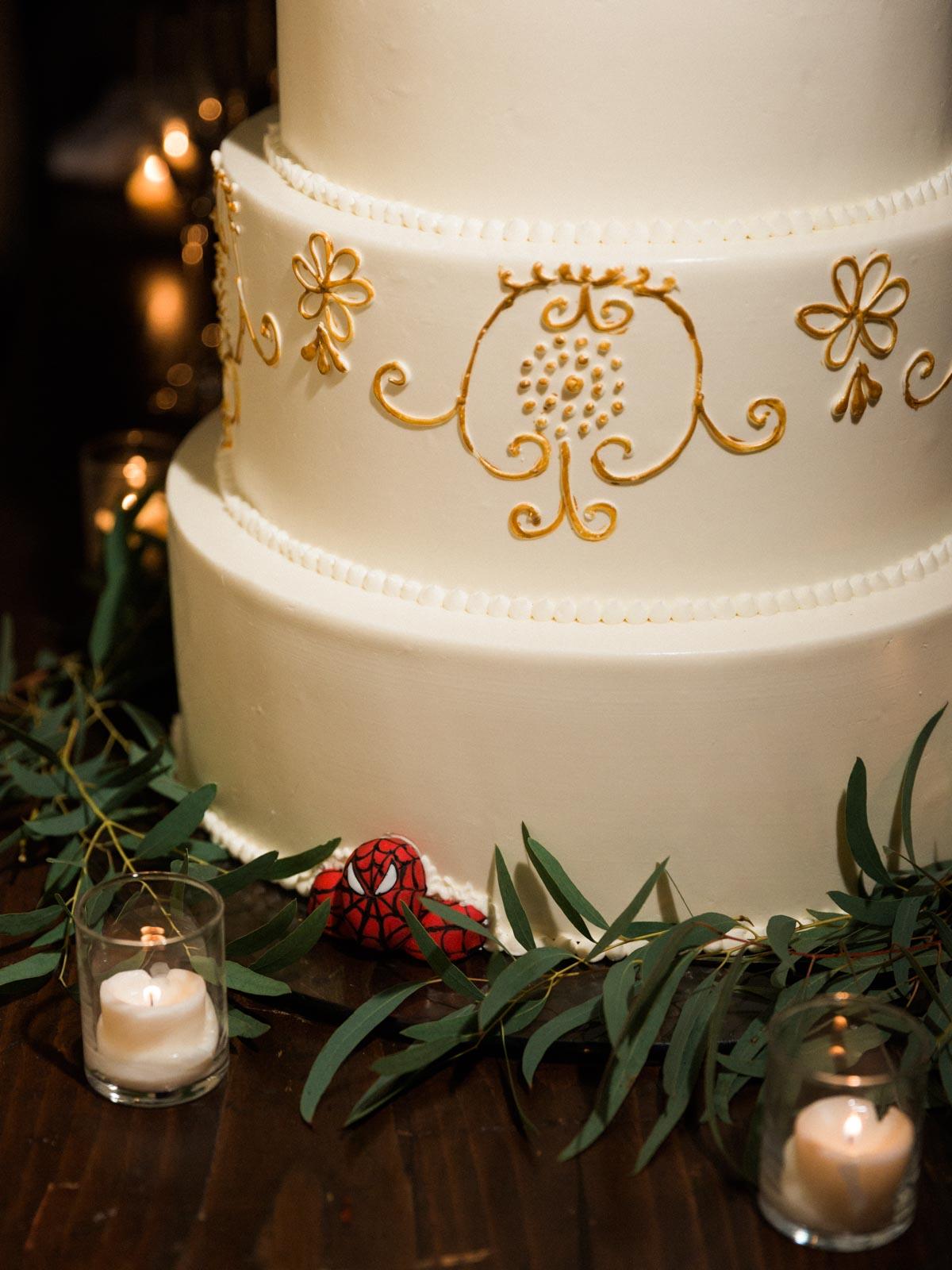 spiderman-wedding-cake.jpg