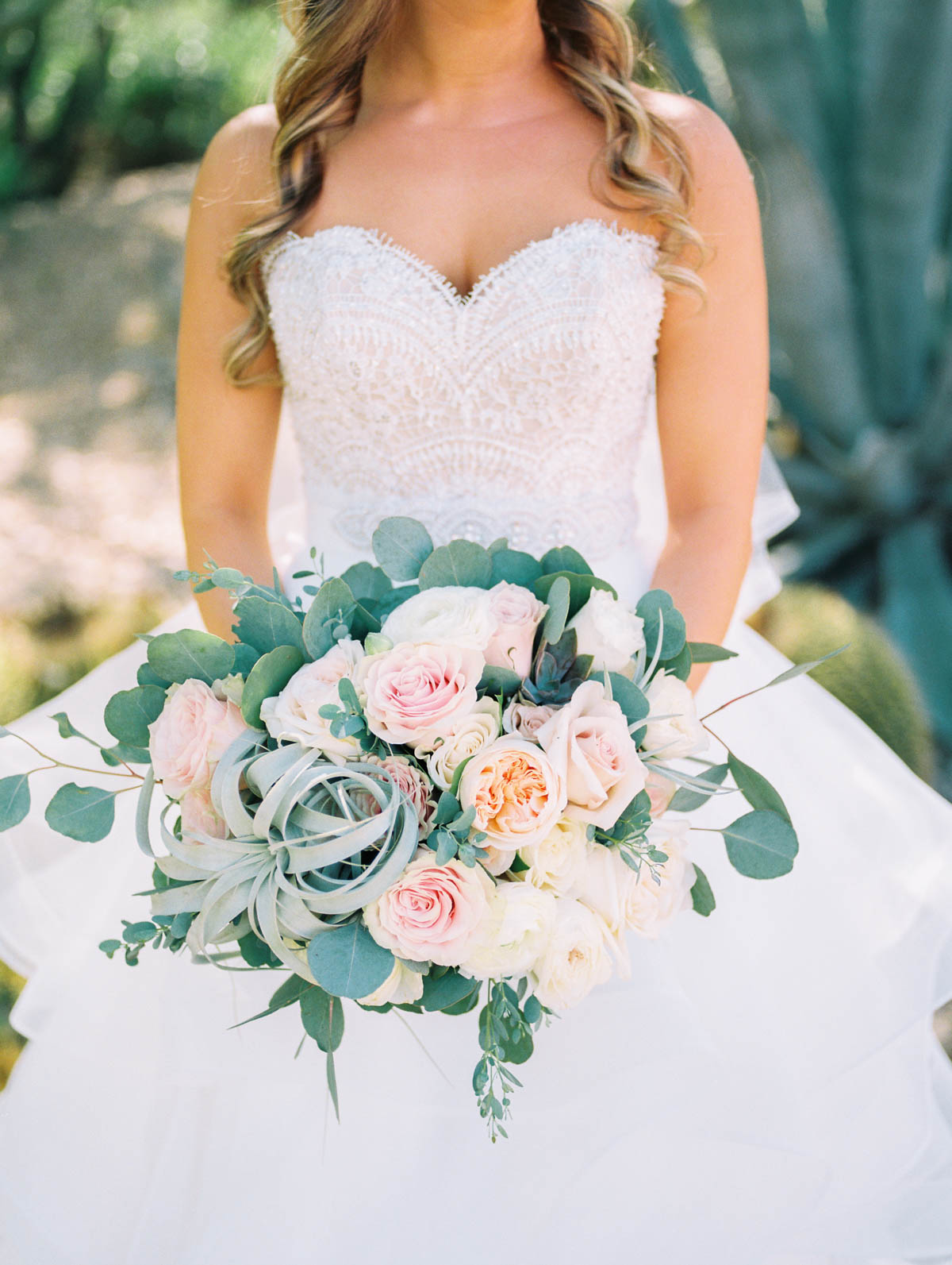 Another shot of this incredible bouquet by Alexis Grace florals. Isn't she amazing?captured by Tucson Wedding Photographers Betsy & John
