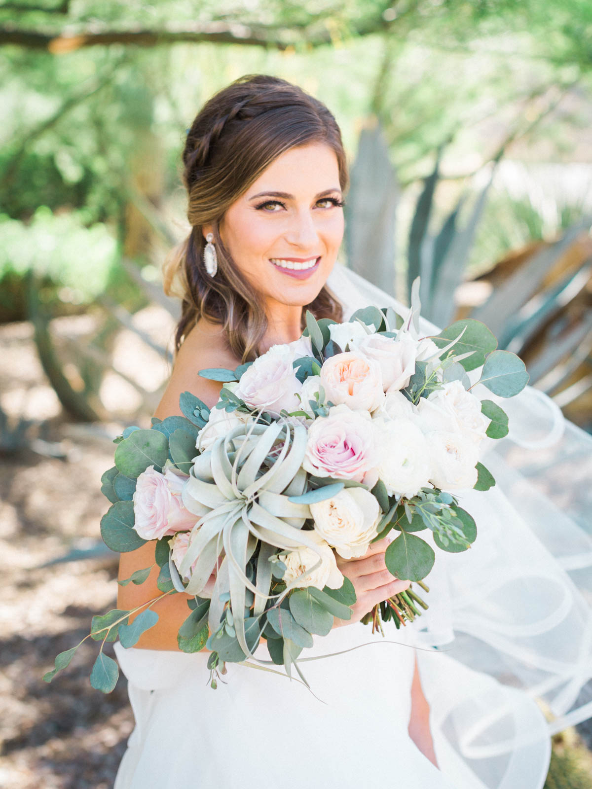 Gorgeous florals with bouquet by Alexis Grace Florals. Ccaptured by Tucson Wedding Photographers Betsy & John