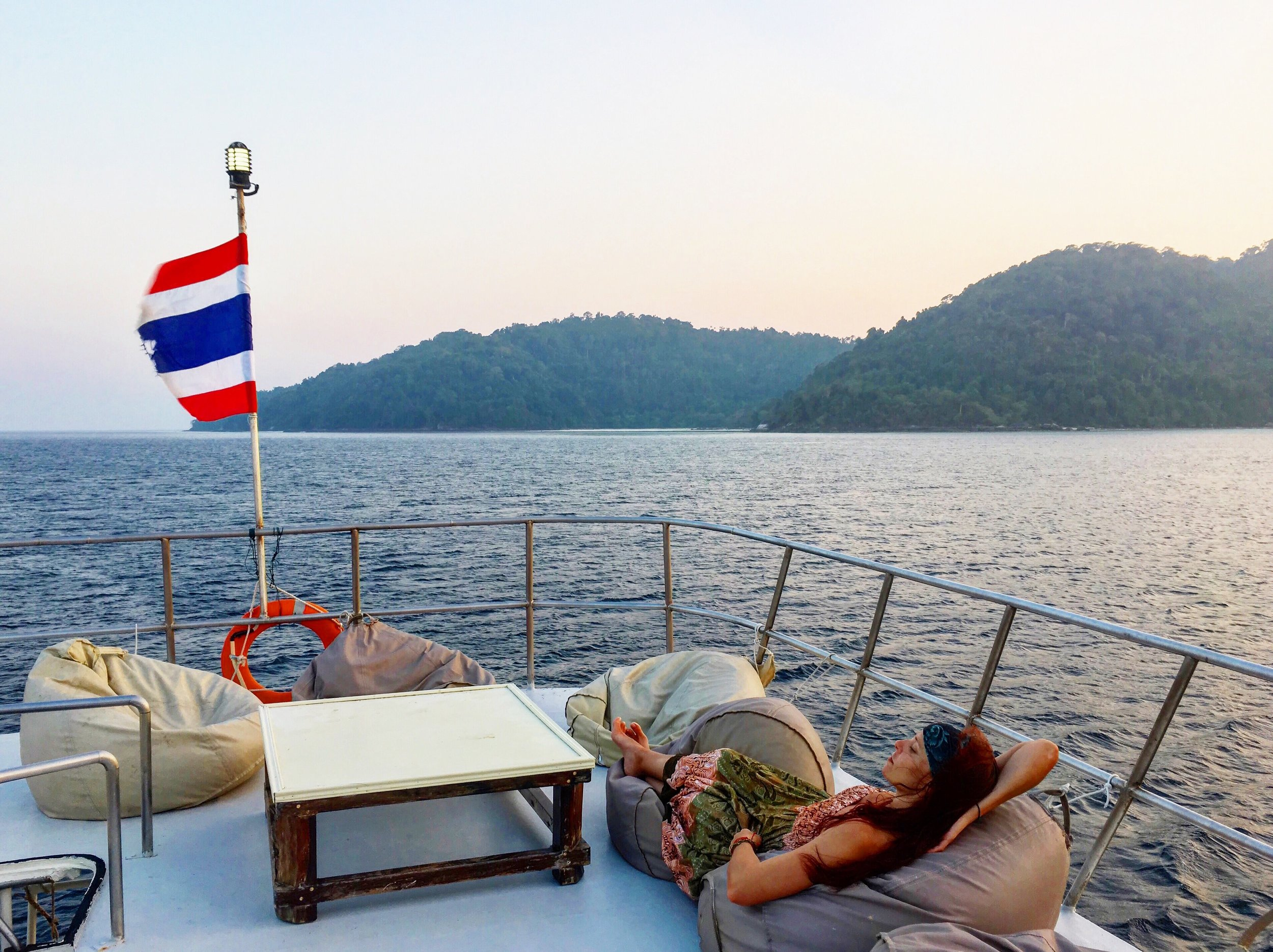 Best SCUBA Diving in Thailand ~ MUST-READ before planning your Dive Trip. www.FenerAdventures.com Asia | backpacking | budget travel | places to dive | where to go | dive sites | scuba dive | scuba girls | island life | adventure ideas | travel hacking