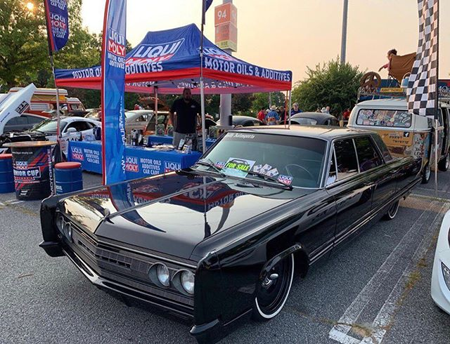 @dannykinder 's 67 Chrysler Imperial always looking cool on our #DTown #detroitsteelwheels 💯 straight gangster ride  #mobsteel #chrysler #AmericanMade #LongLiveDetroit