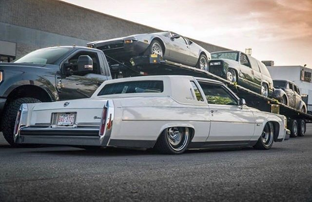 @puentacles 1980 #Fleetwood slammed on our #DTown #detroitsteelwheels! Great work done by @epiccustoms 🤘  #mobsteel #caddy #AmericanMade #LongLiveDetroit