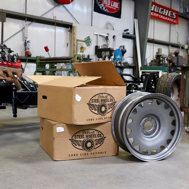 @wizard_sleeve_designs getting our #Ambassador #detroitsteelwheels in for his Apache build. Pumped to see these on 🤘  #mobsteel #chevy #AmericanMade #WheelWednesday #LongLiveDetroit