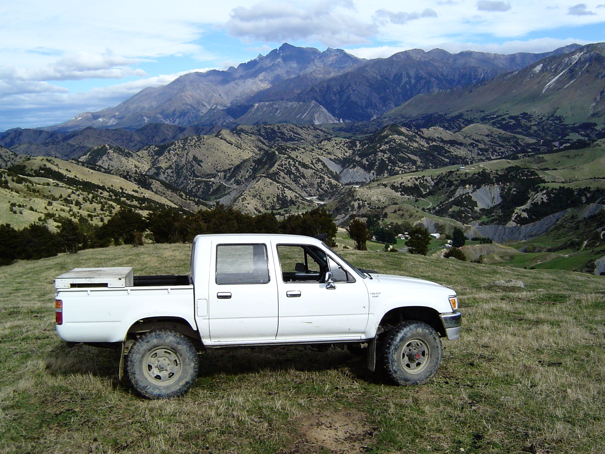 The authors 1998 LN106 Toyota Hilux