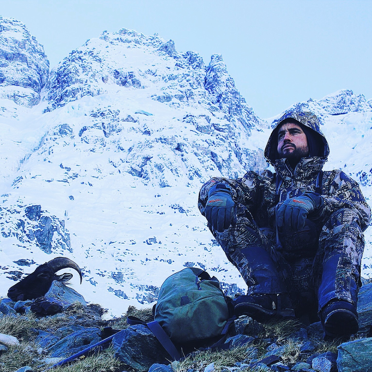 Dan Feary chewing over the days events. Image @ Hugh Bagley (Sitka optifade)