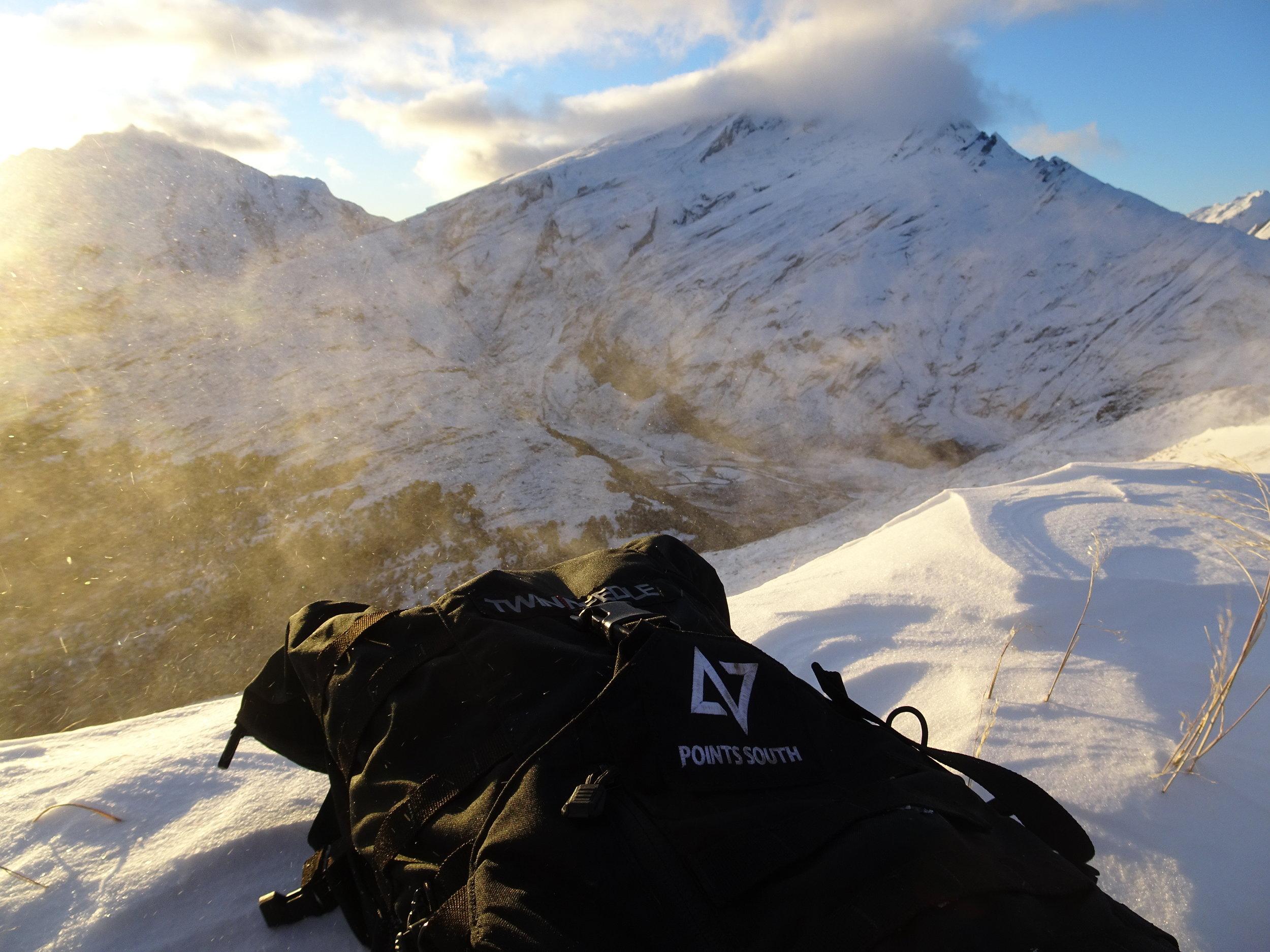 blowing snow a ridge hunting tahr