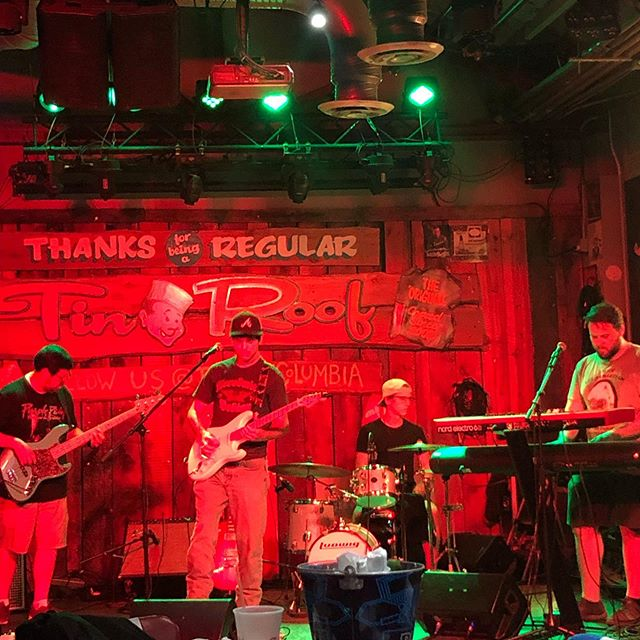 Supporting our friends @bigthunderfish at @tinroofcolumbia for #buildingtheband