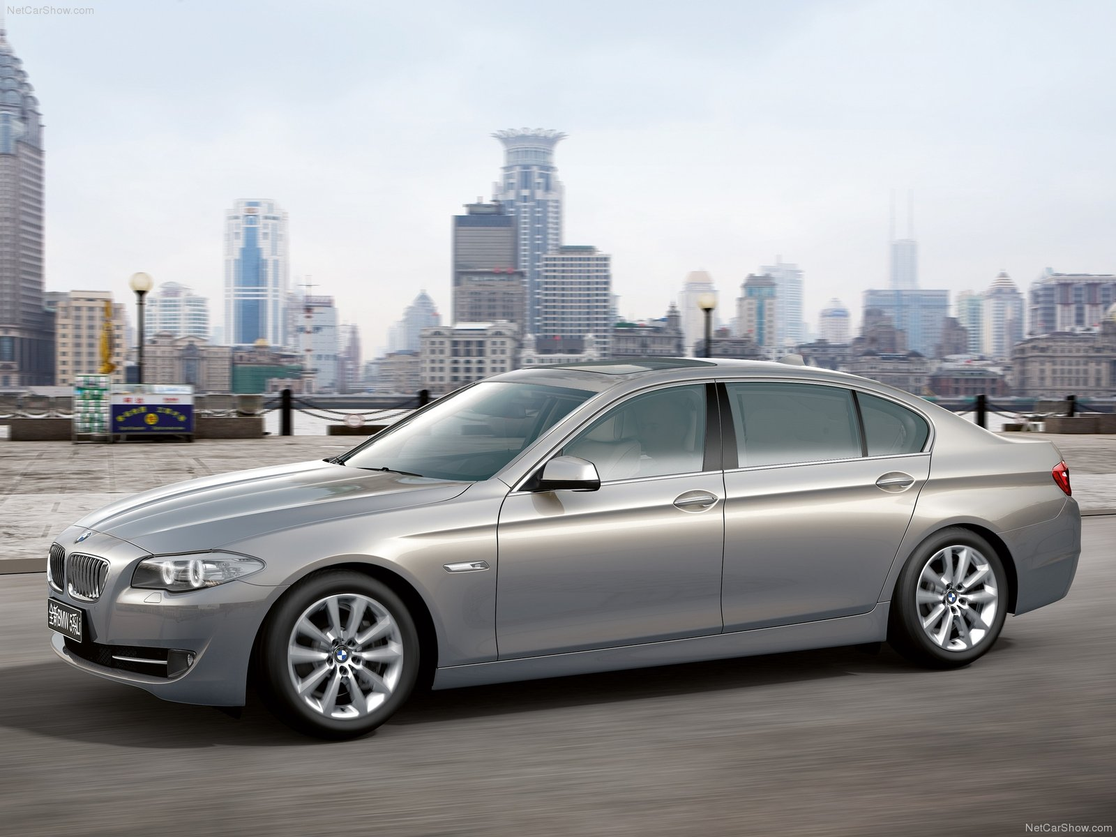BMW-5-Series_Long-Wheelbase_2011_1600x1200_wallpaper_01.jpg