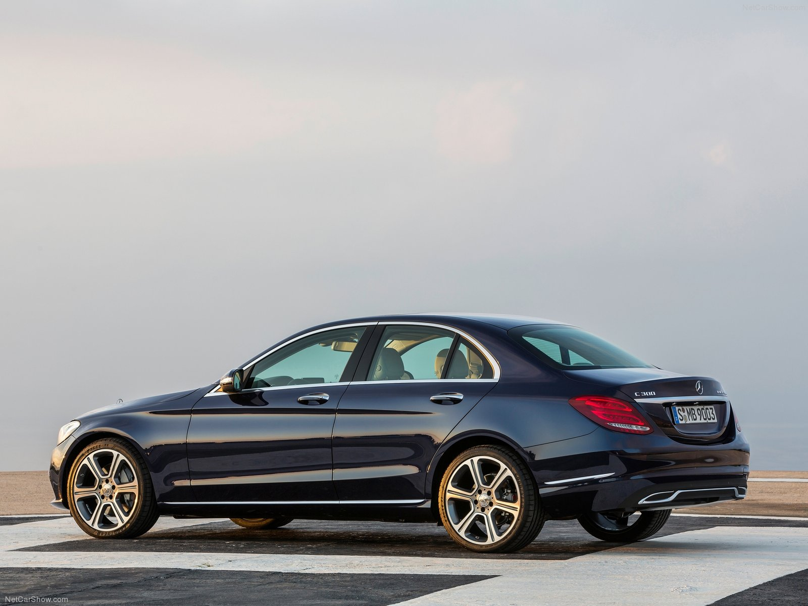 Mercedes-Benz-C-Class-2015-1600-2f.jpg