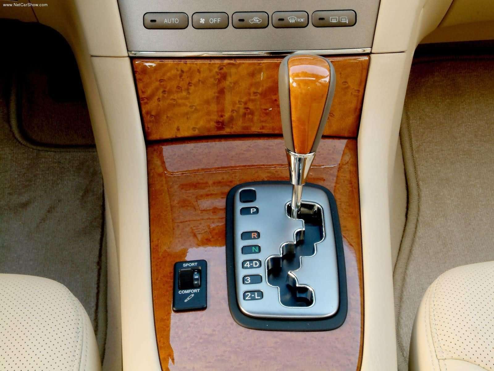 Lexus-ES330-2005-1600-12.jpg