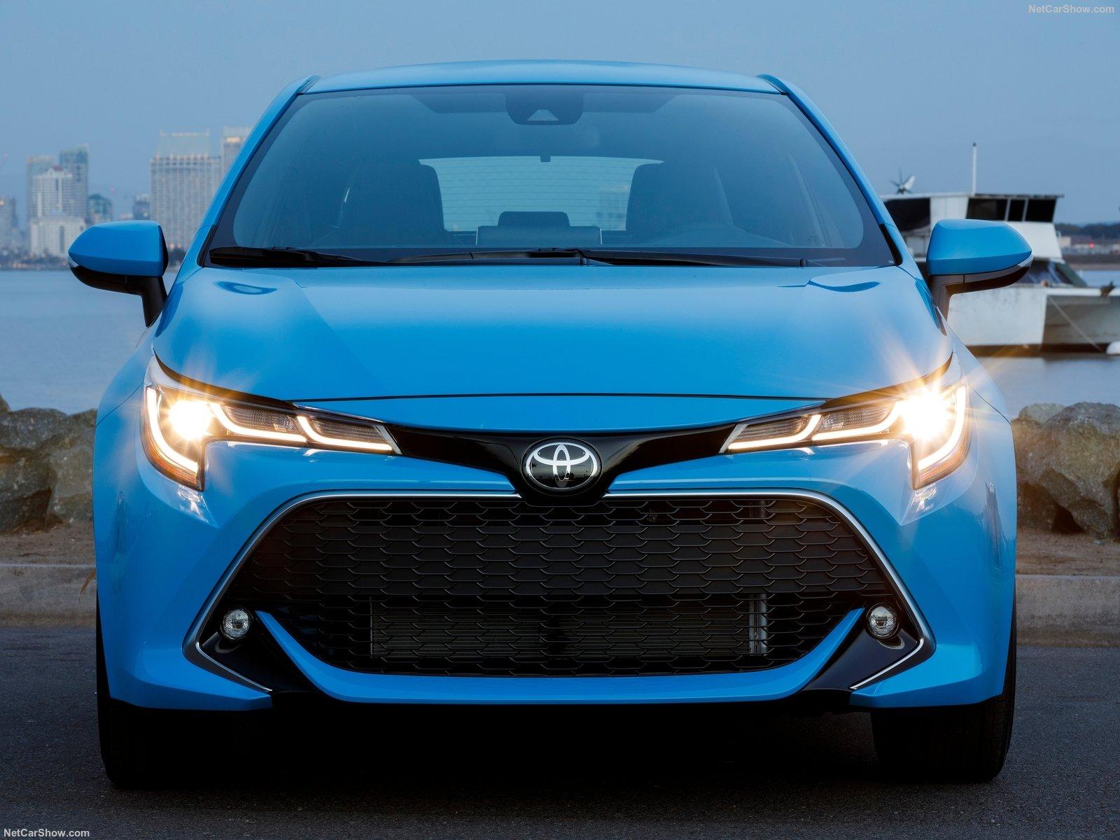 Toyota-Corolla_Hatchback-2019-1600-20.jpg