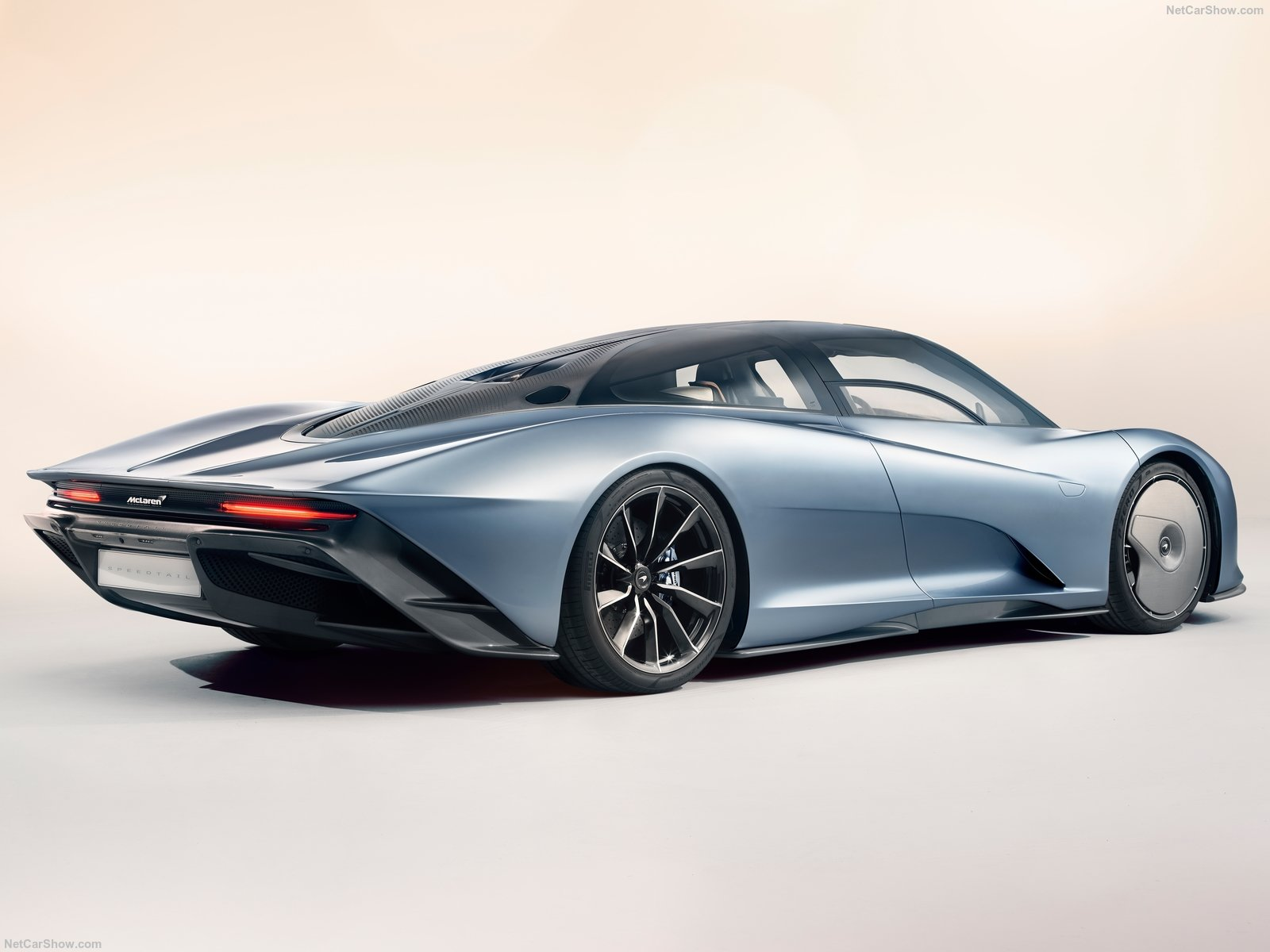 McLaren-Speedtail-2020-1600-04.jpg