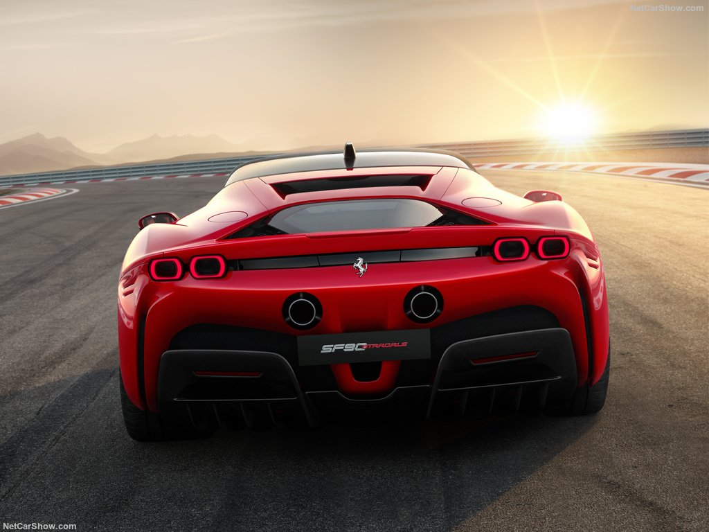 Ferrari-SF90_Stradale-2020-1024-06.jpg