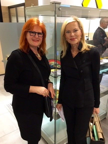 Nadja Zikes mit Unicef-Botschafterin Nina Ruge