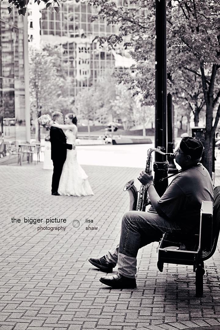 wedding photpgrapher lansing MI.jpg