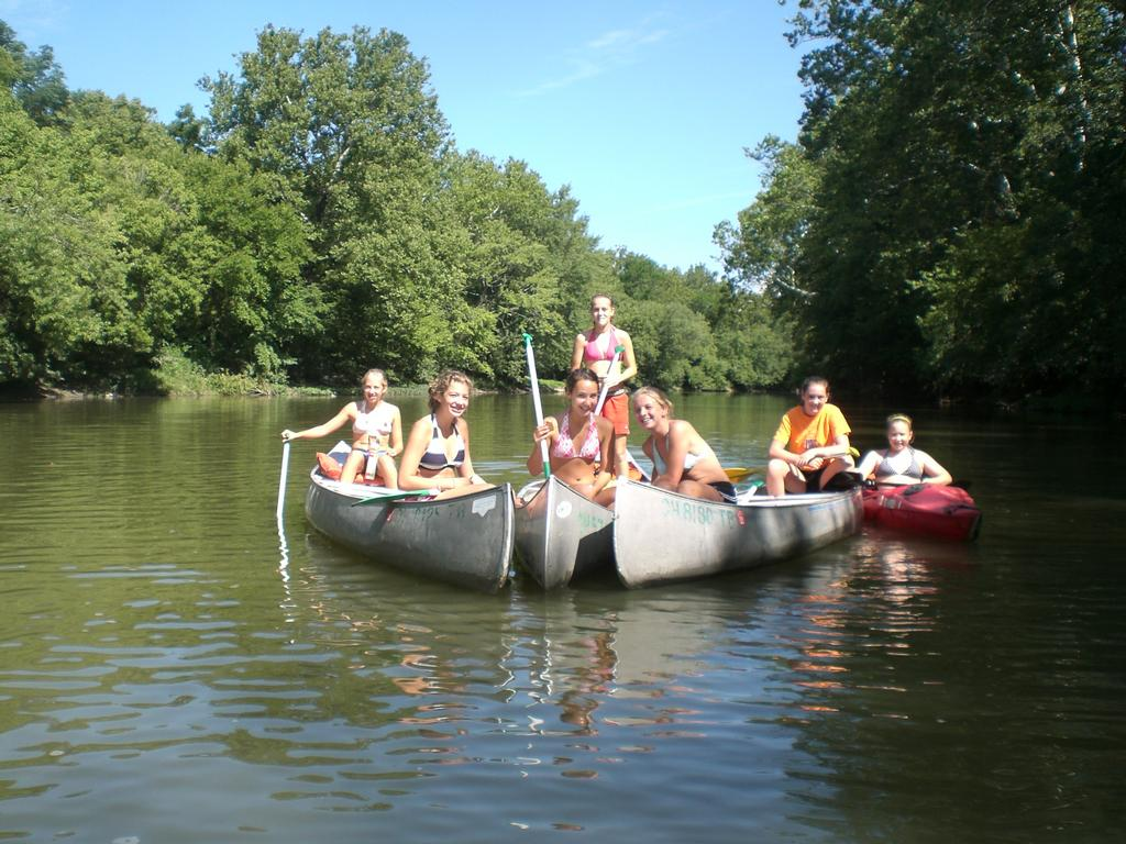 Barefoot Canoes - Barefoot Canoe is a family owned business serving Dayton and the surrounding area with down river canoe trips for all age groups and experience levels. Ask us which trip might be right for you. Tipp City Park, North Third Street and Parkwood Drive, in Tipp City, 937-667-4862.