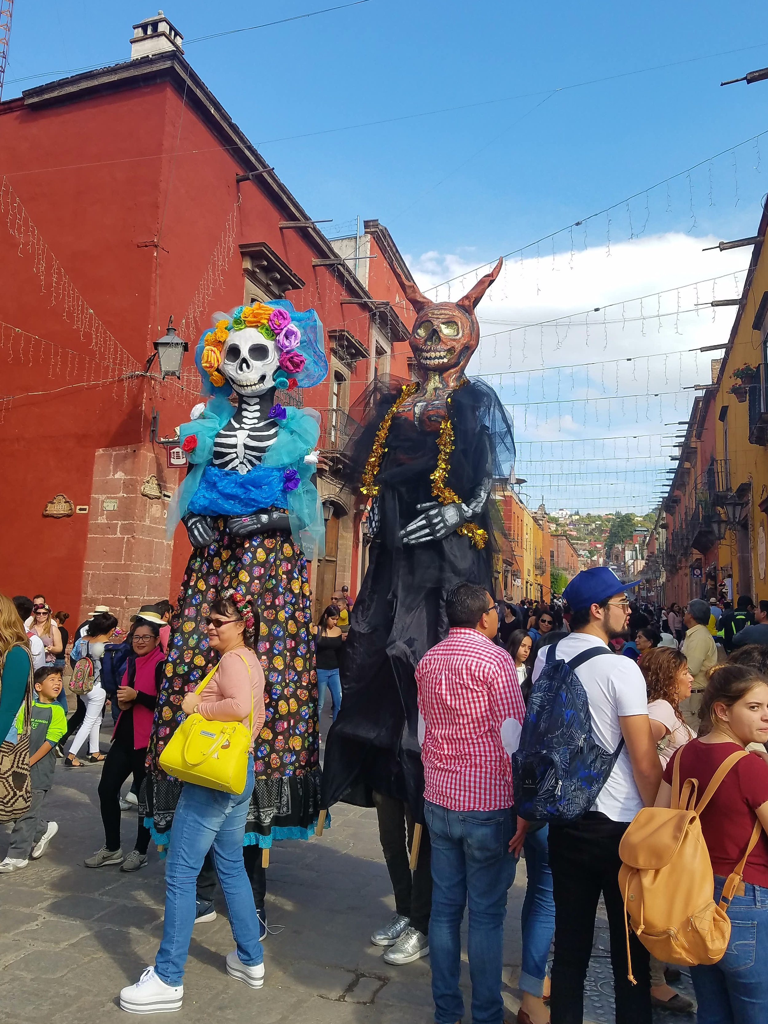 Mojigangas - Giant Street Puppets in Mexico.jpg