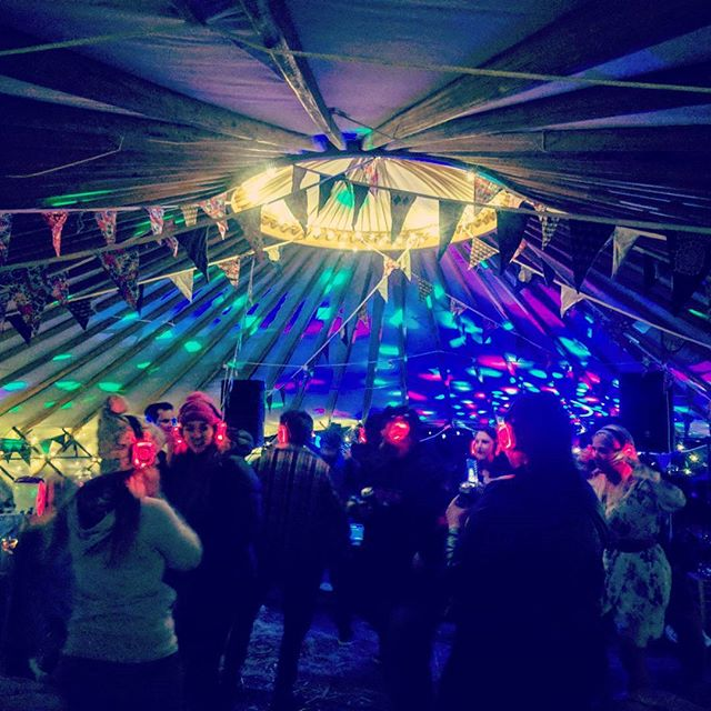 What a night!! Topped off by a silent disco until the early hours thanks to the legends at @kombikrew 🕺  #getdownandyurty #silentdisco