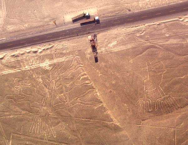 nazca_hands_tree_observation_tower_and_panamerican_highway.jpg