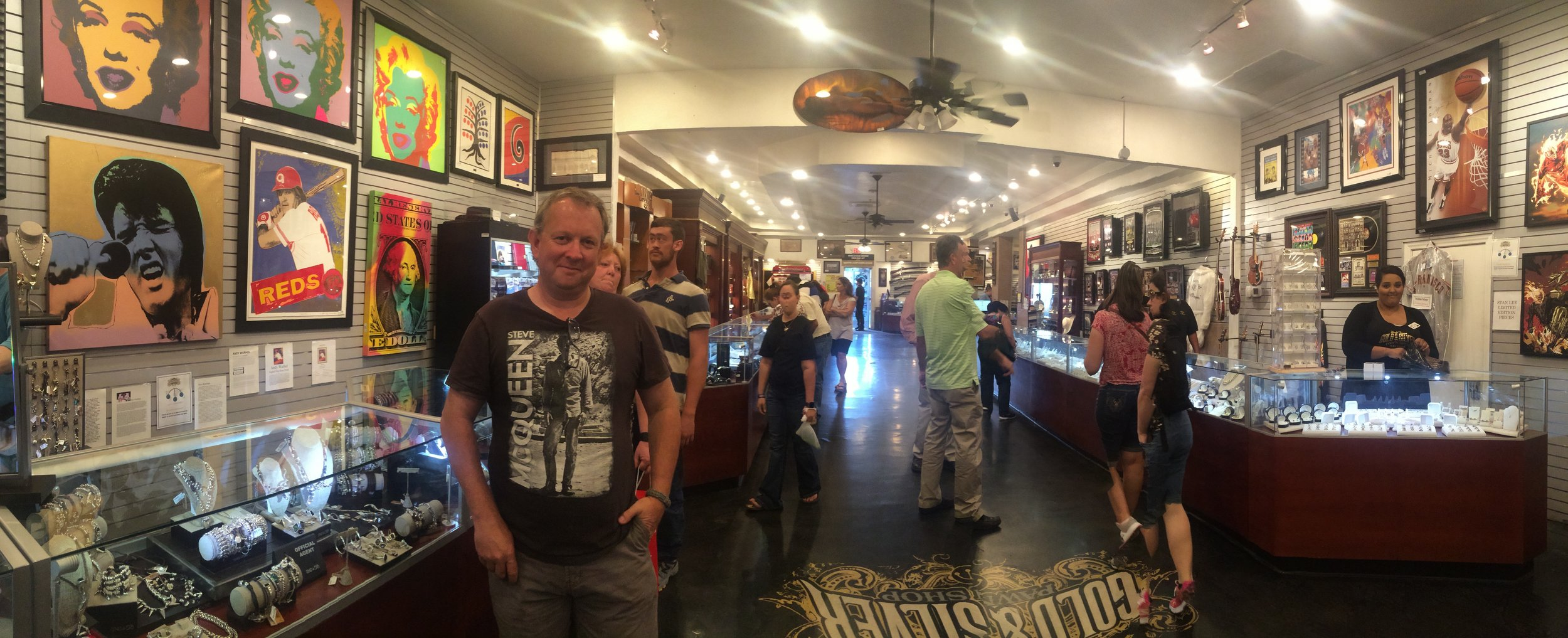 Inside 'Gold & Silver Pawn'