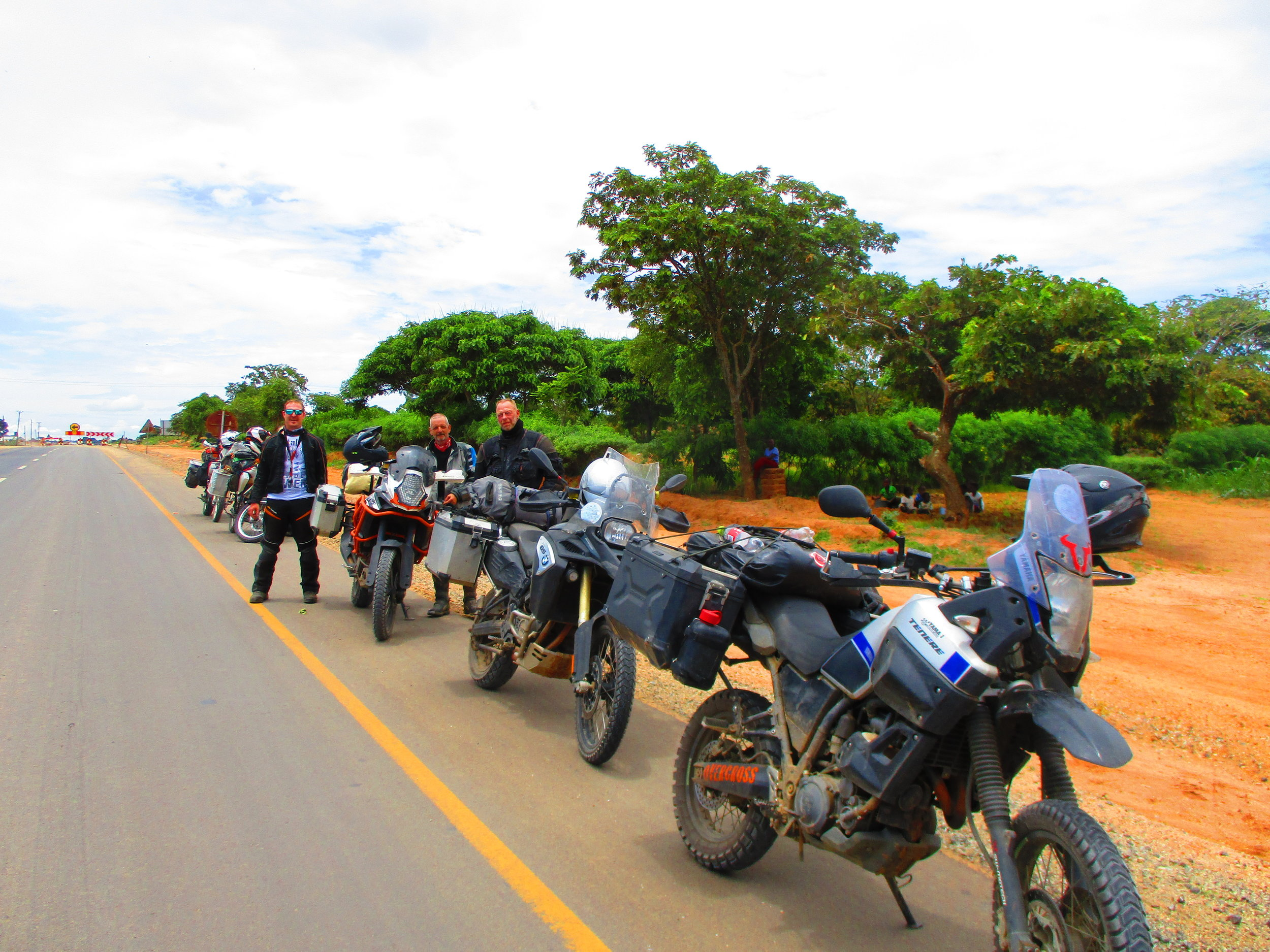 We met some fellow overlanders from Germany on the road to Chipata