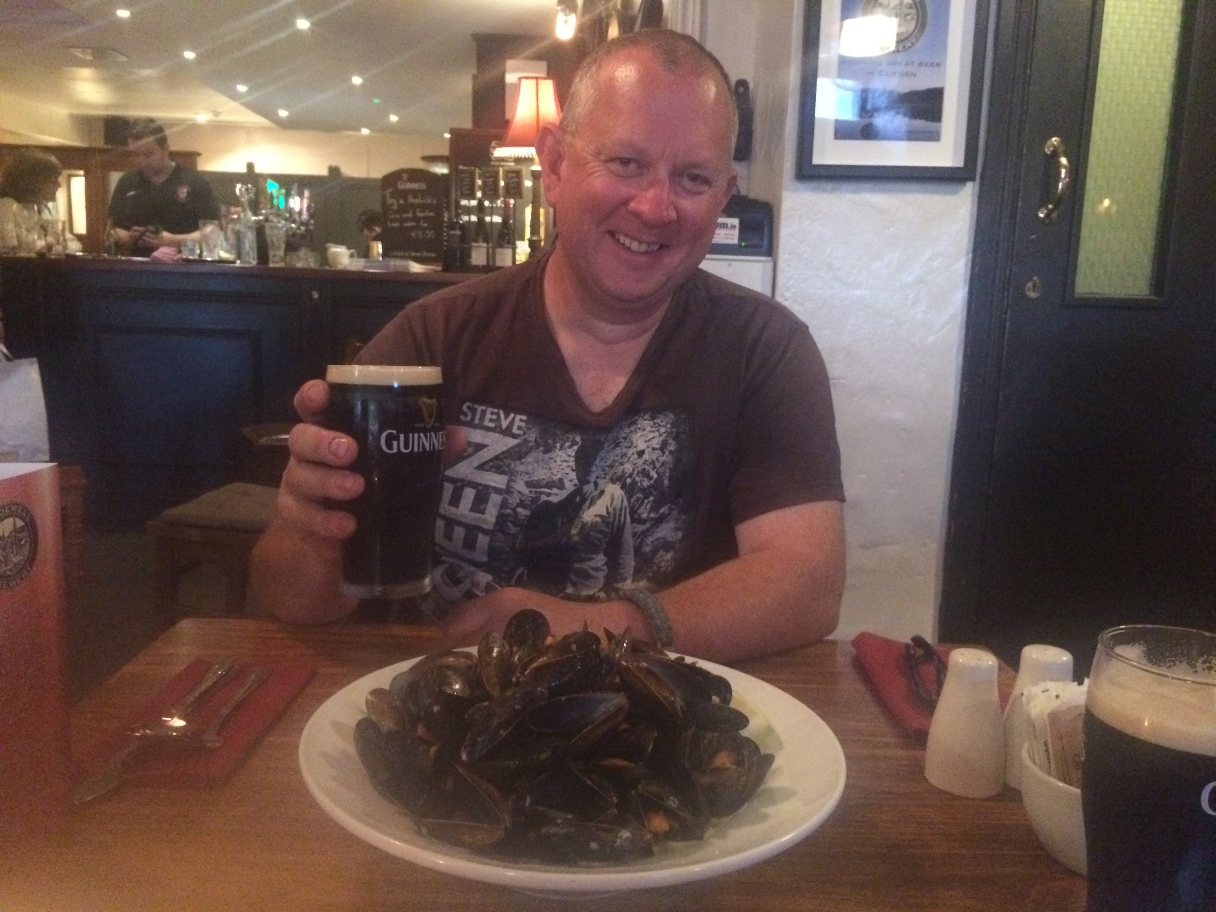 Guinness and Mussels at Clifden - great combo.