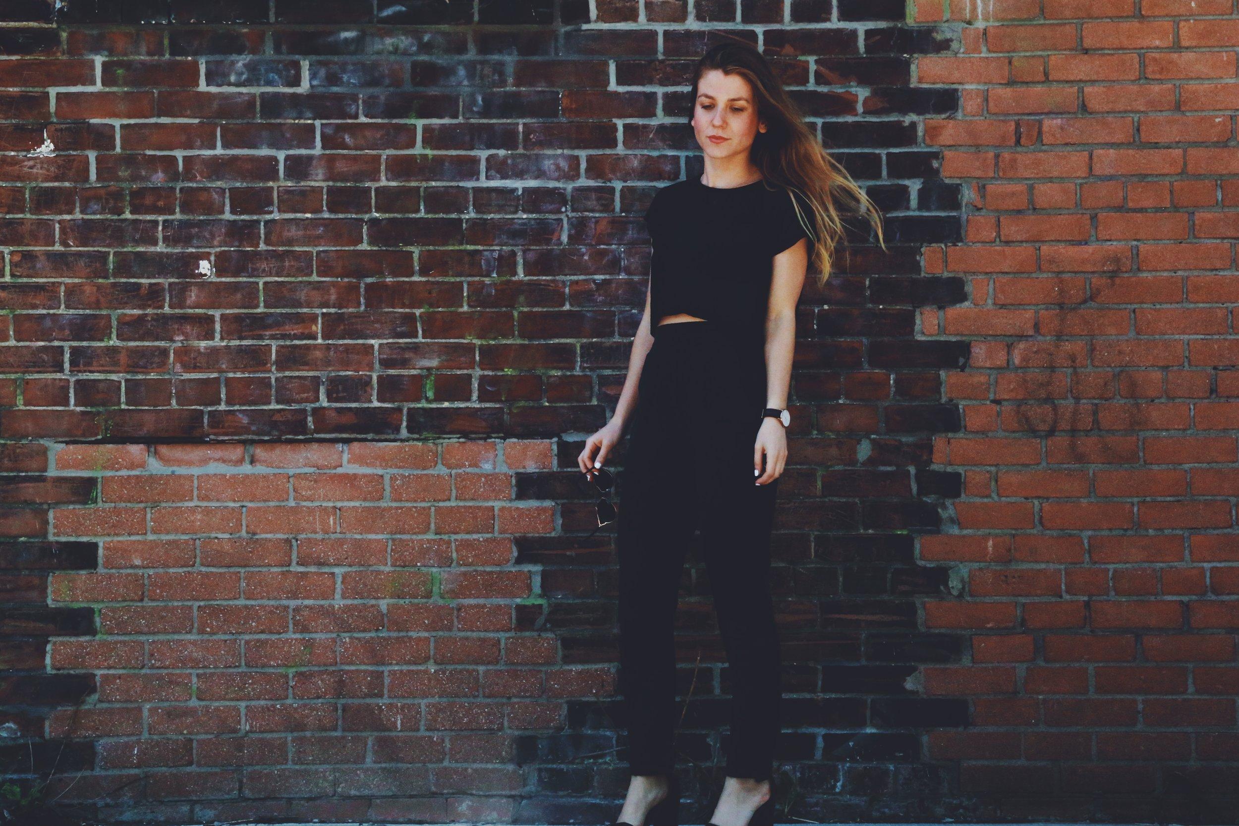 Black outfit 2-blog.JPG