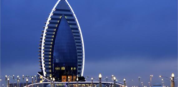 http://blog.bouygues-construction.com/en-direct-des-chantiers/tour-du-monde-hotels/