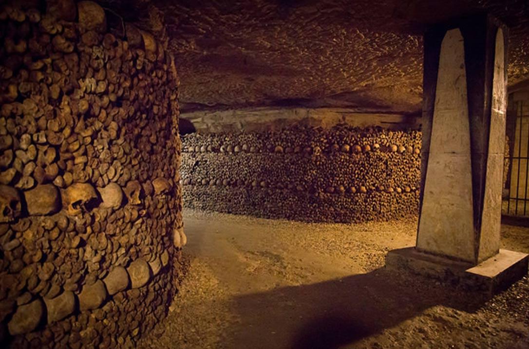 http://www.ancient-origins.net/ancient-places-europe/dark-underworld-paris-catacombs-002834