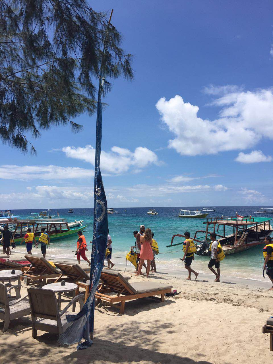 Hustle bustle of Gili