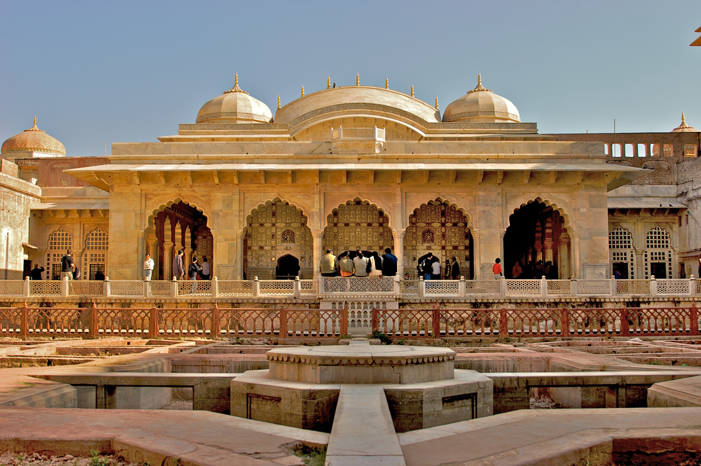https://www.pinterest.com/kamalkishor/jaipur-the-paris-of-east/