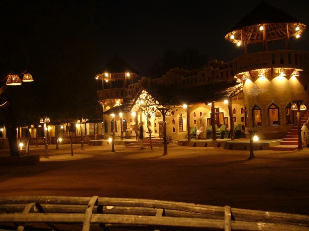 http://travelomiles.com/jaipur-tourism/places-to-visit-in-jaipur