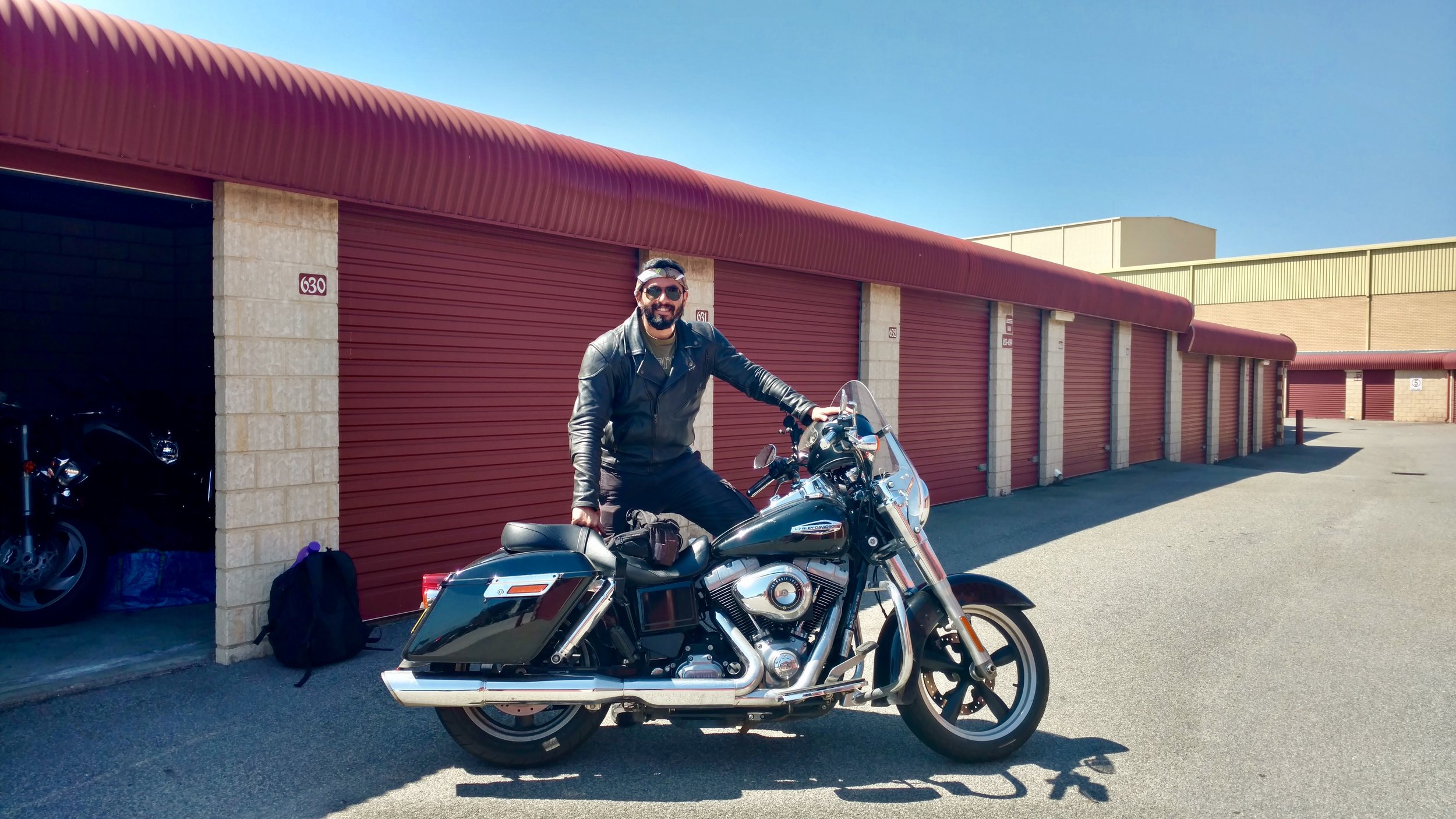 That's Suhas with his Harley (drool drool!!)