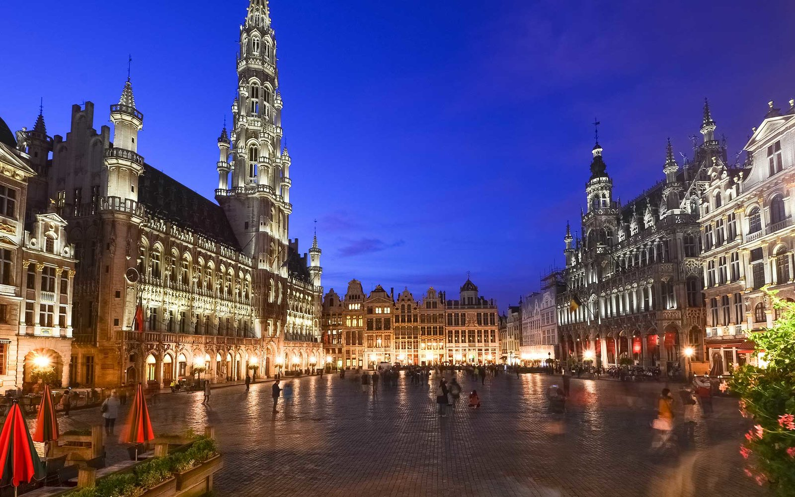 http://www.travelandleisure.com/travel-guide/brussels