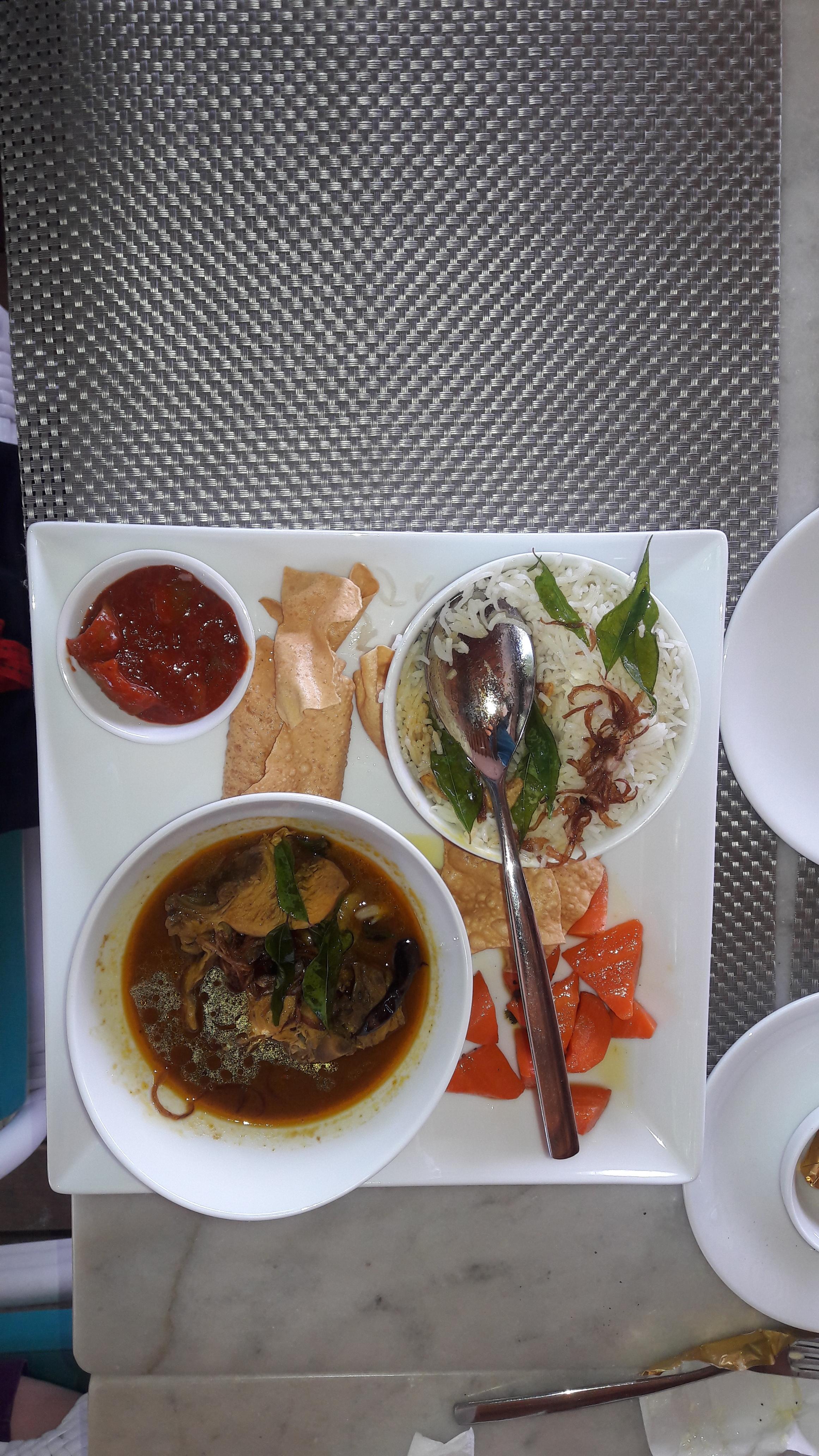 Maldivian Chicken curry for lunch!