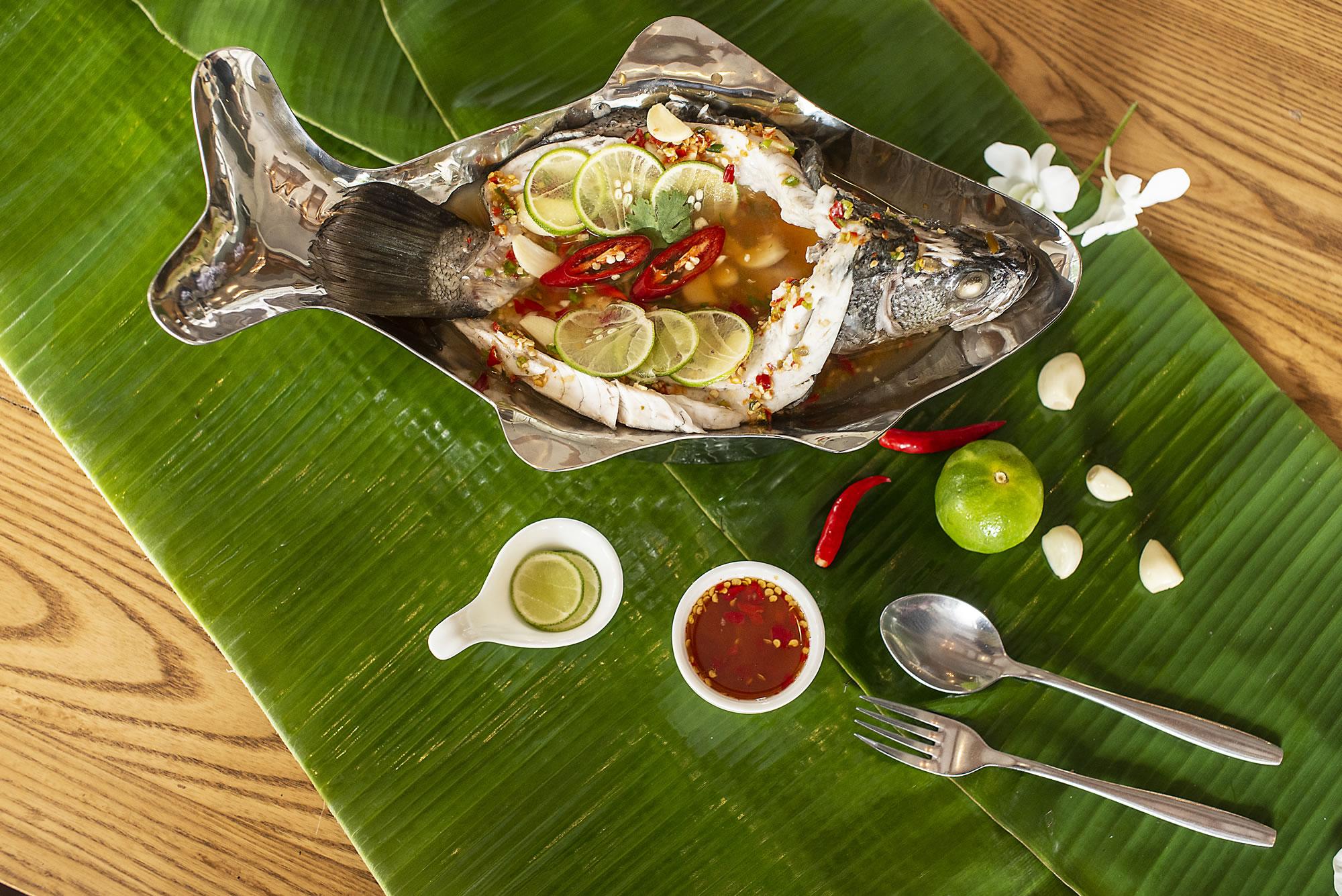 Baan-Thitiya-Thai-Pla-Neaung-Manow.jpg