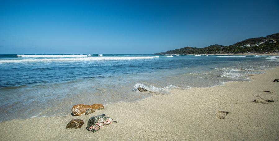 Sayulita beach by apasciuto-900px.jpg