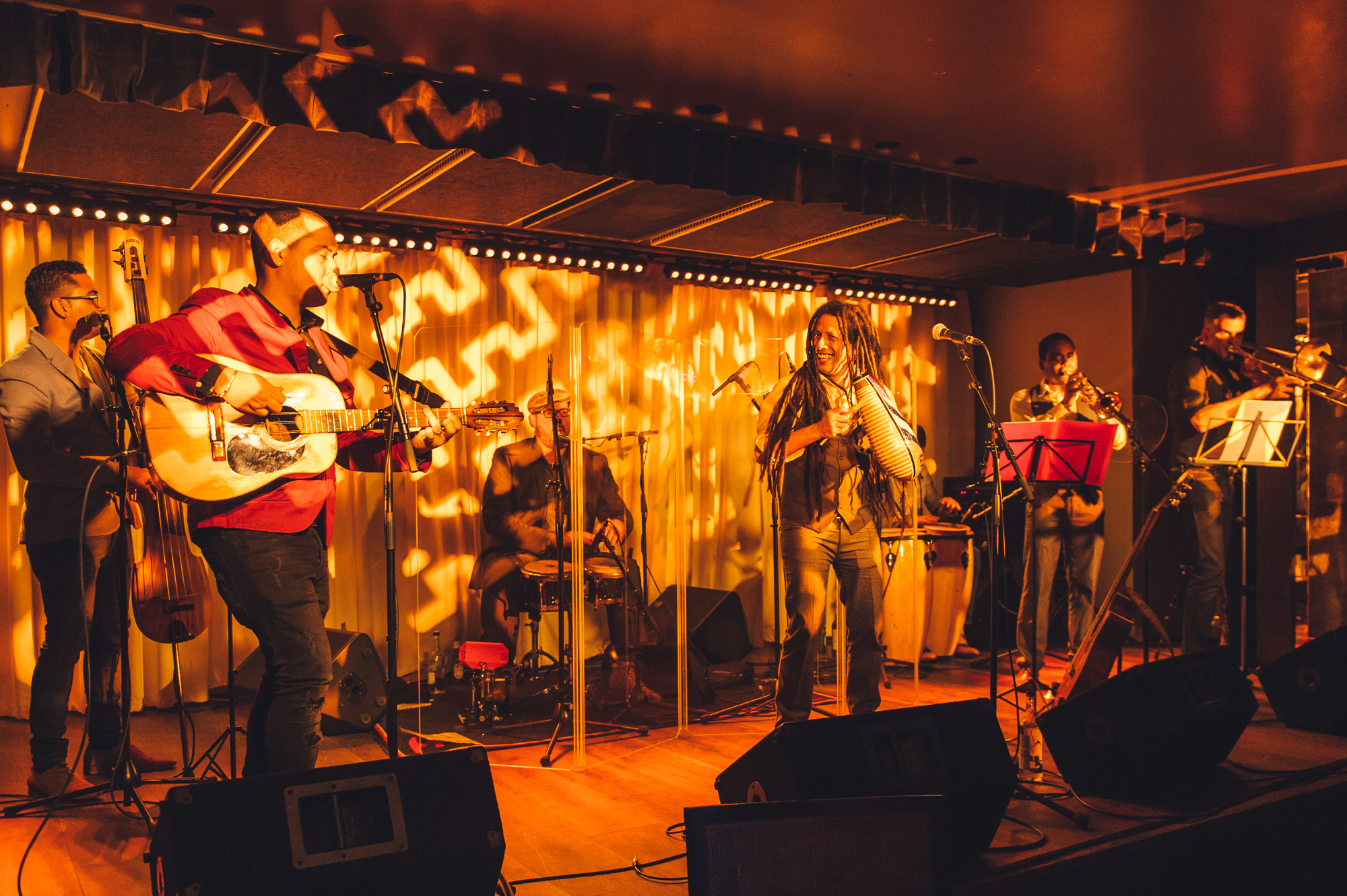 The_Band_Entertains_at_the_Latin_Fiesta_Launch_Party_at_100_Wardour_St_(2)[1].jpg